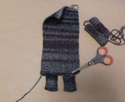 Stitch legs to the body