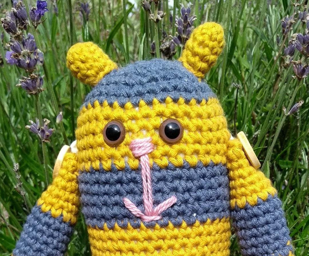 Bumble Stitchpunk Bee 2