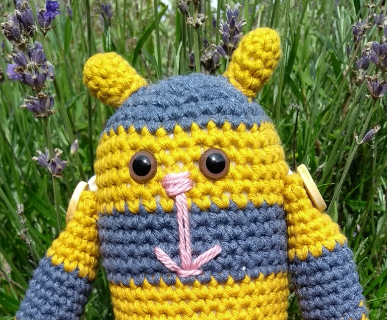 Bumble Stitchpunk Bee 2